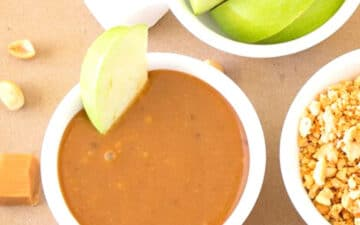 Caramel Dip with apples and peanuts