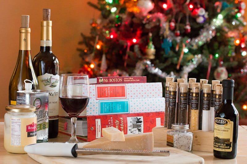 10 Perfect Holiday Gifts for Your Favorite Home Chefs and Foodies